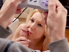 Young Laura Bentley shows her son a great POV