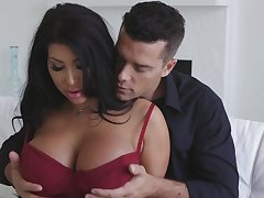Hot MILFie Latina beauty with hefty boobies August Taylor wanna some sideways fuck