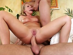Two extra hard dicks for blonde pornstar Kyra Banks in triumvirate