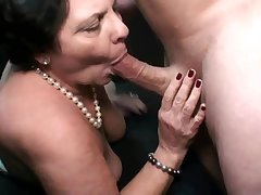 Sexual robbery: Fat old cock starved mature gives head for load of cum - HQ quality