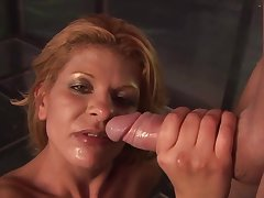 Balsl deep fucking relating to a tow-haired stripper Rio Mariah and her consumer